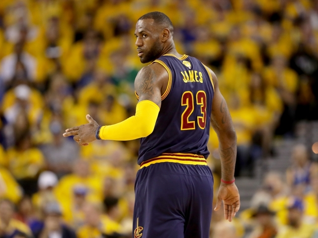LeBron James sits out against Pacers