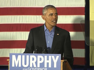 Obama returns to the campaign trail