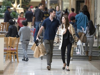 Save on holiday shopping w/ local expert's tips