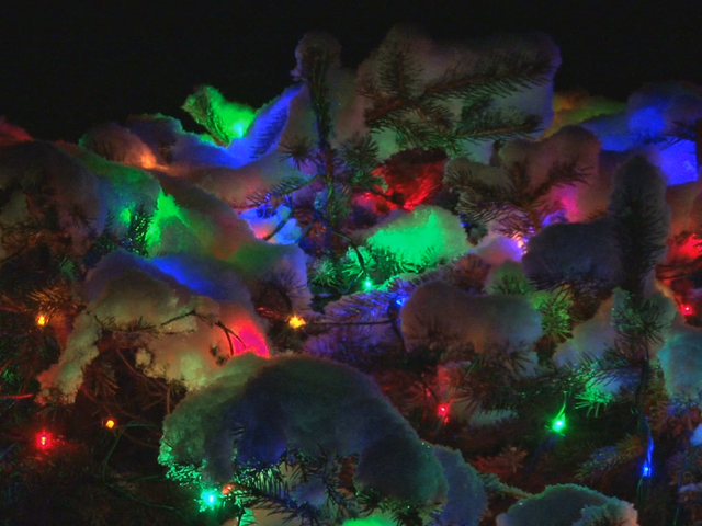 7 best places to see christmas lights in the usa tmj4 for Places to visit in christmas in usa