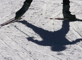 Skiers stranded, injured when lift malfunctions