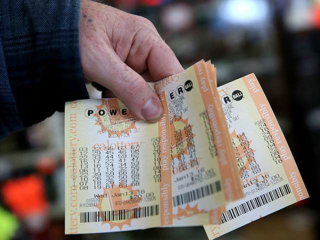 Powerball Jackpot Climbs to $570M Ahead of Drawing