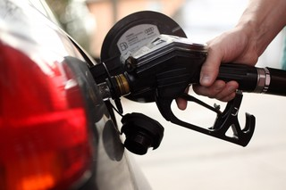 Gas prices dropping this Thanksgiving weekend